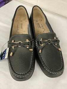 BNWT Black Ladies Loafer Size 8 By Lifestyle