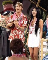 GLEN CAMPBELL AND CHER - 8X10 PUBLICITY PHOTO (SP055)