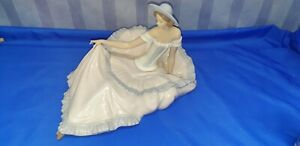 Nao by Lladro - Large Figurine 'Grace' - Model 1265 - Missing Finger - see image