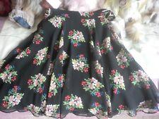 """BNWT GUESS Black floral skirt size 30 (29"""" waist)"""