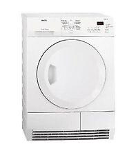 AEG Kondenstrockner mit Wäsche