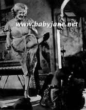 064 BETTE DAVIS BABY JANE KICKS CAMERAMAN FILMING PHOTO