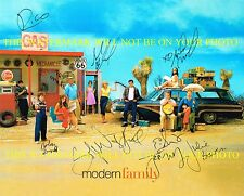 MODERN FAMILY AUTOGRAPHED CAST 8x10 RP PHOTO BY 10 JULIE BOWEN SOFIA VERGARA +