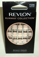 REVLON Runway Nail Kit MEDIUM Length 24 Nails  MEDIUM 91098