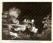 1974 THUNDERBOLT AND LIGHTFOOT Movie by Michael CIMINO Cops shoot bank robbers