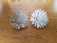Boho Chic Vintage White Hard Plastic Material Daisy Flower Clip on Earrings