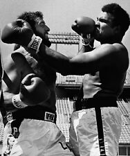 Lyle Alzado vs Muhammad Ali 8X10 Photo Boxing Picture Left By Alzado