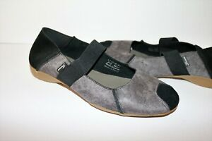 Tracce Brand Grey Paisley Black Slip On Comfort Shoes Size 40 NEW