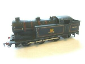 HORNBY DUBLO 3 RAIL OO GAUGE B.R. BLACK 0-6-2 TANK LOCOMOTIVE