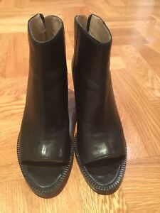 DKNY Women's Black Peep Toe Boots Heel Size US 7 New Without Tags