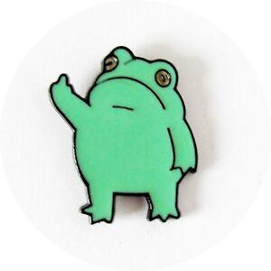 Frog Green Enamelled Pin Badge Brooch Metal in velvet bag 3 cm x 2 cm BA47