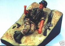 FIGURINE ADVANCE (RESINE) 1/35