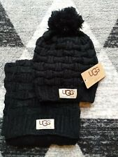 UGG Australia Hat & Scarf Set Black
