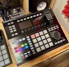 Native Instruments Maschine Studio Black  MIDI Controller