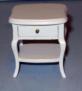 NIGHT STAND OR LAMP TABLE DOLLHOUSE FURNITURE