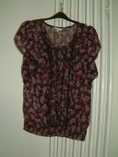New Look Blouse /Top Size 10 Black Floral Hip Length, Scooped Neck