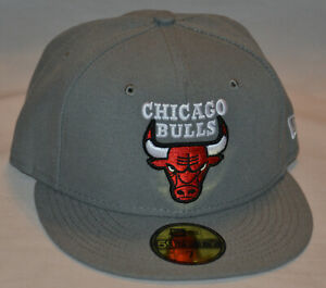 NEW New Era 59Fifty Chicago Bulls Hat (Size 7) Storm Gray Collection