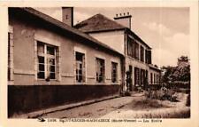 CPA Saint-Leger-Magnazeix Les Ecoles (611099)