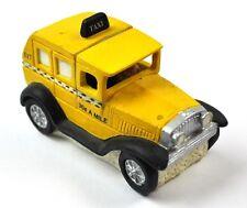 Coca-Cola Coke USA Town Square Figurine - oltdtimer Taxi Yellow Car