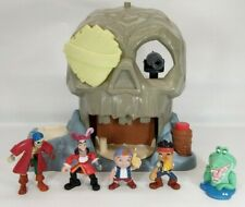 Disney Jr Jake & the Neverland Pirates Skull Island Glow in Dark playset figures