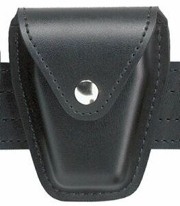 Safariland Duty Gear Chrome Snap Flap Top Handcuff Pouch (Plain Black)