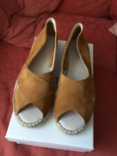 BRAND NEW Ladies Pavement Ginger Tan Shoes - Size 8 / 41