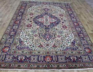Handkontted Persian Tabriz carpet, with superb color 300 x 200 cm