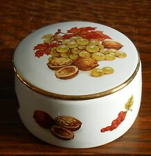 Un PICCOLO PORCELLANA Autunno Frutta e noccioline Ciondolo Box da Braunton Pottery