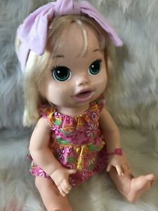 Baby Alive 2014 Snackin' Sara Original Dress Bilingual English Spanish Soft Face
