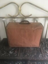 """antique gibsonette amplifier 13"""" high by 18"""" wide brown cover"""