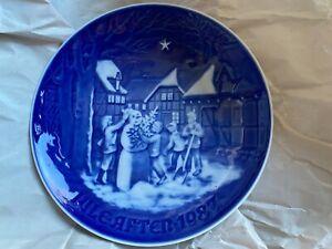 Bing & Grondahl B G 1987 Jule After Christmas Plate Snowman's Christmas Eve