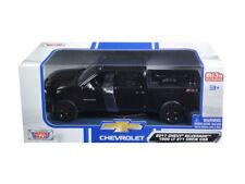 2017 Chevrolet Silverado 1500 LT Z71 Crew Cab Black 1:24 Model - 79348BK *