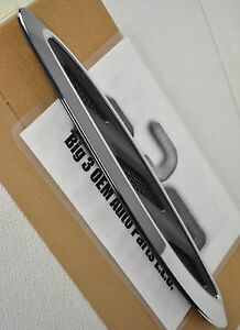 2013-2016 Buick Enclave RH Passenger Side Hood Ornament Bezel new OEM 23142430