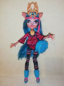 Monster High Isi Dawndancer. EX DISPLAY ONLY PERFECTION & COMPLETE.