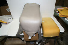 1999 LINCOLN TOWN CAR FRONT SEAT CENTER COVER UNDER THE CONSOLE