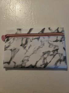 SALE! 💕    NEW IPSY January 2020 Glam Bag, Grey Marble Vinyl with Pink Zipper