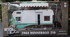 1964 Winnebago 216 Camping Trailer Camping Anhänger 1:24 Green Light 18430