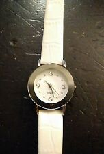 Vintage Diamond ladies watch, running with new battery NR