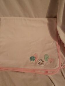 Gymboree 2016 Infant Girl Blanket White Pink Trim Owl Tree Print EUC