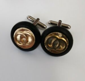 Designer cufflinks: Black with gold circles
