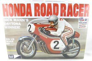 1:8 Scale Honda Road Racer Motorcycle Plastic Model Kit (Skill 3) - MPC #856/12