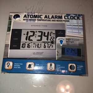 617-1280 La Crosse Technology Atomic Digital Alarm Clock with Indoor Temperature