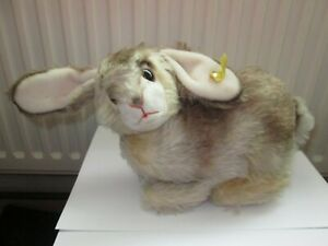 VINTAGE STEIFF ' Pummy ' BUNNY RABBIT 2325,05 GERMANY WITH EAR BUTTON AND TAGS