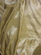 tissu taffetas jaune doré  en 150 cm de large au mètre