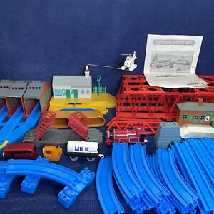Thomas TrackMaster TOMY GIANT SET Road & Rail Train Track With Extras Motorized