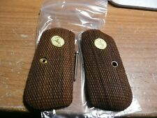COLT POCKET HAMMERLESS 1903 /1908 CHECKERED WALNUT W/COLT GOLD MEDALLIONS GRIPS