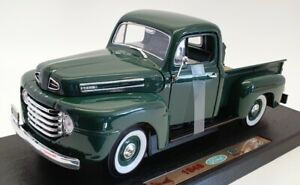 Road Legends 1/18 Scale Model Car 92218 - 1948 Ford F1 Pick Up - Green