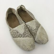 TOMS crocheted lace shoes Womens 9.5 ivory slip on flats