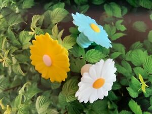 CHARLES VIANCIN Silicone Daisy Bottle Stoppers ~ White, Yellow, Aqua