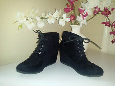 Call It Spring Black Faux Suede Leather Lace Up Wedge Ankle Boots EUR: 39 US:7,5